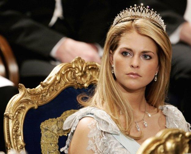 Princess-Madeleine-masquerade-15176600-2560-2065